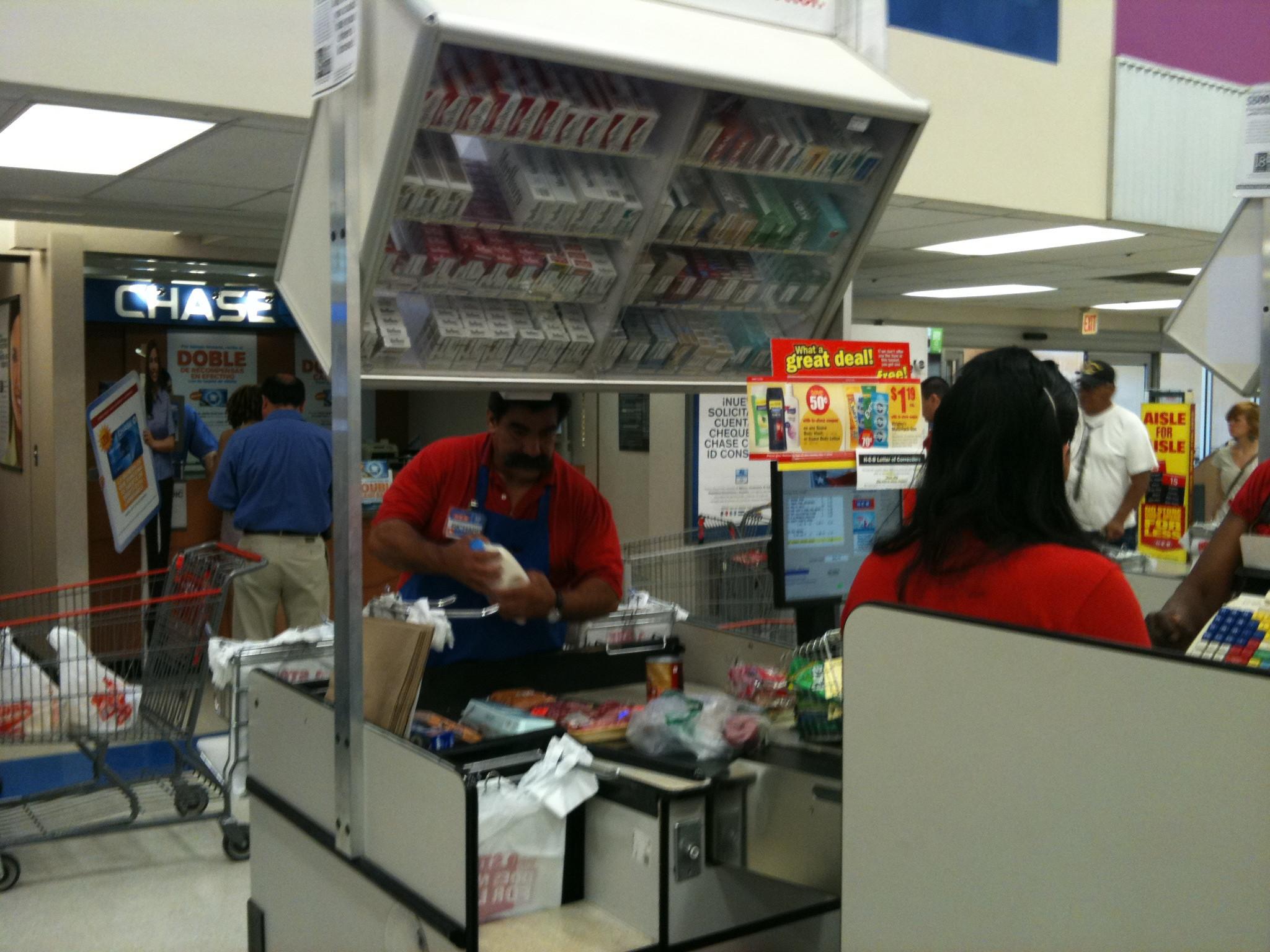 descriptive essay grocery store