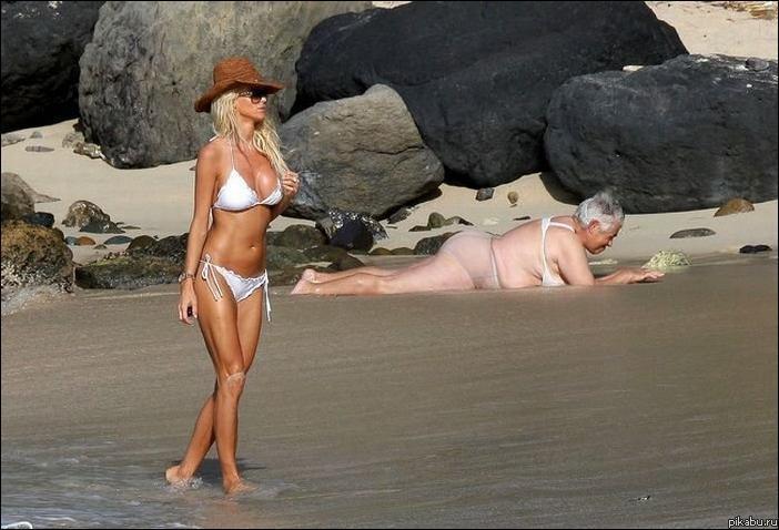 Подгляд на пляже