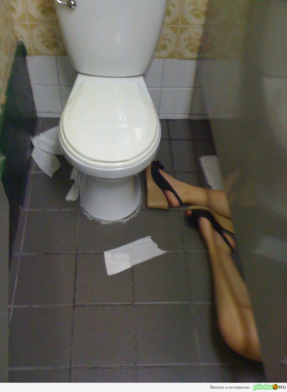Приколи в туалети 10 фотография