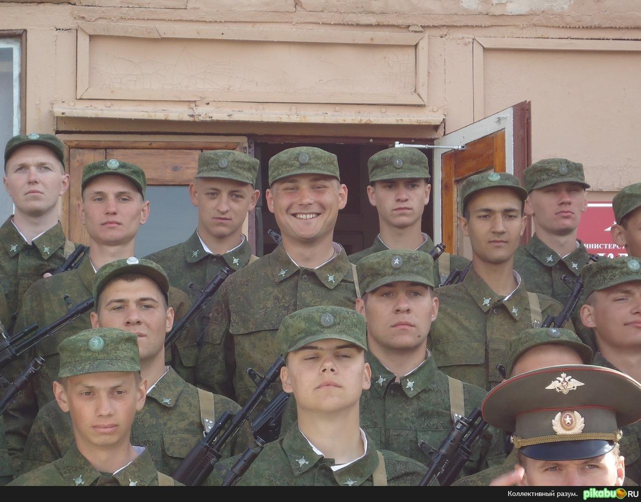 Мой брат в армии Даже там хорошо, когда семья рядом :)