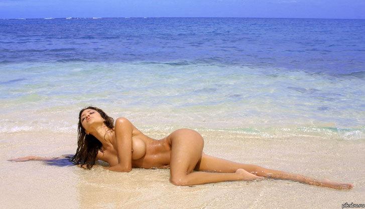 лето, пляж, красота: http://pikabu.ru/story/leto_plyazh_krasota_429269