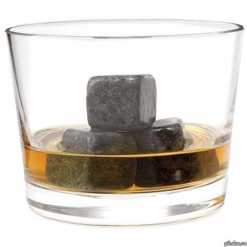 """Камни для охлаждения виски На тему идиотских подарков. Увидела на одном из сайтов, как """"супероригинальный подарок для любимого мужчины""""."""