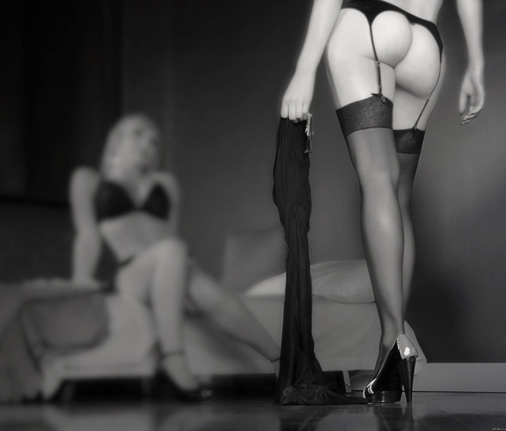 Целовать ножки девушек в чулках 27 фотография