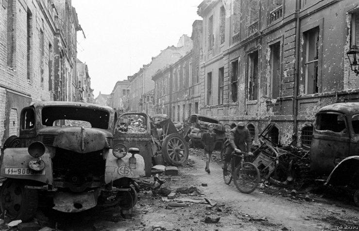 Журнал LIFE: фотографии Берлина и бункера Гитлера, апрель 1945 фото в комментах