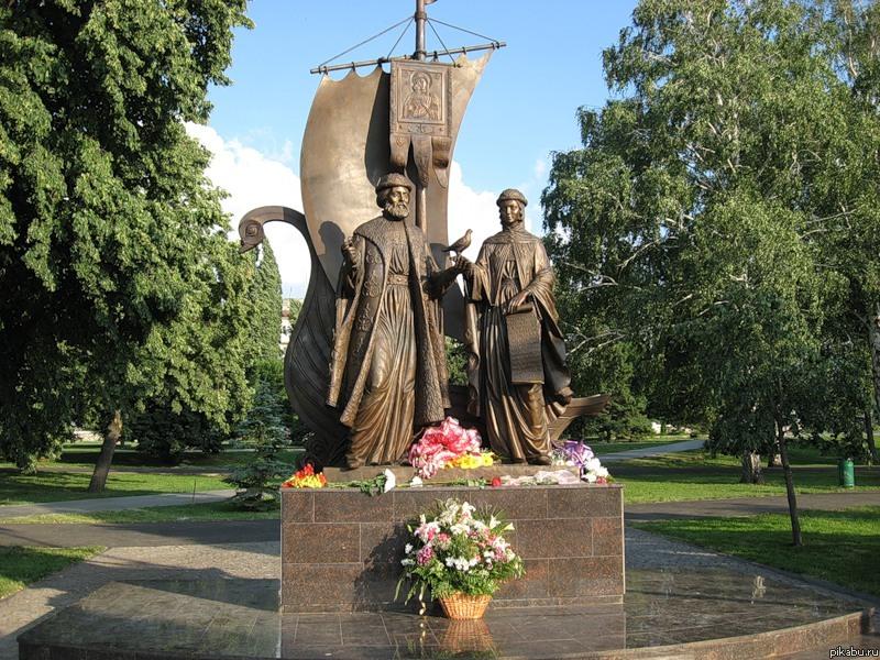 Памятник петру и февронии в самаре цены на памятники ульяновск с фио