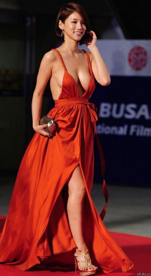 Сиськи из под платья картинки, девушки вип проститутки оренбурга