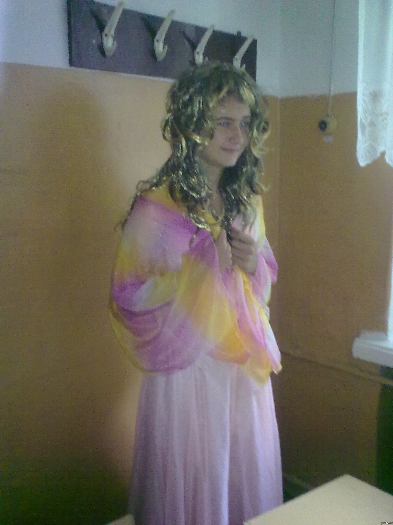 Мальчику насильно одели платье