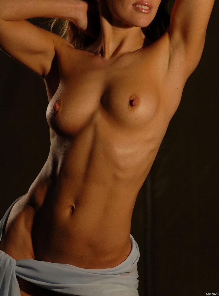прекрасное женское голое тело