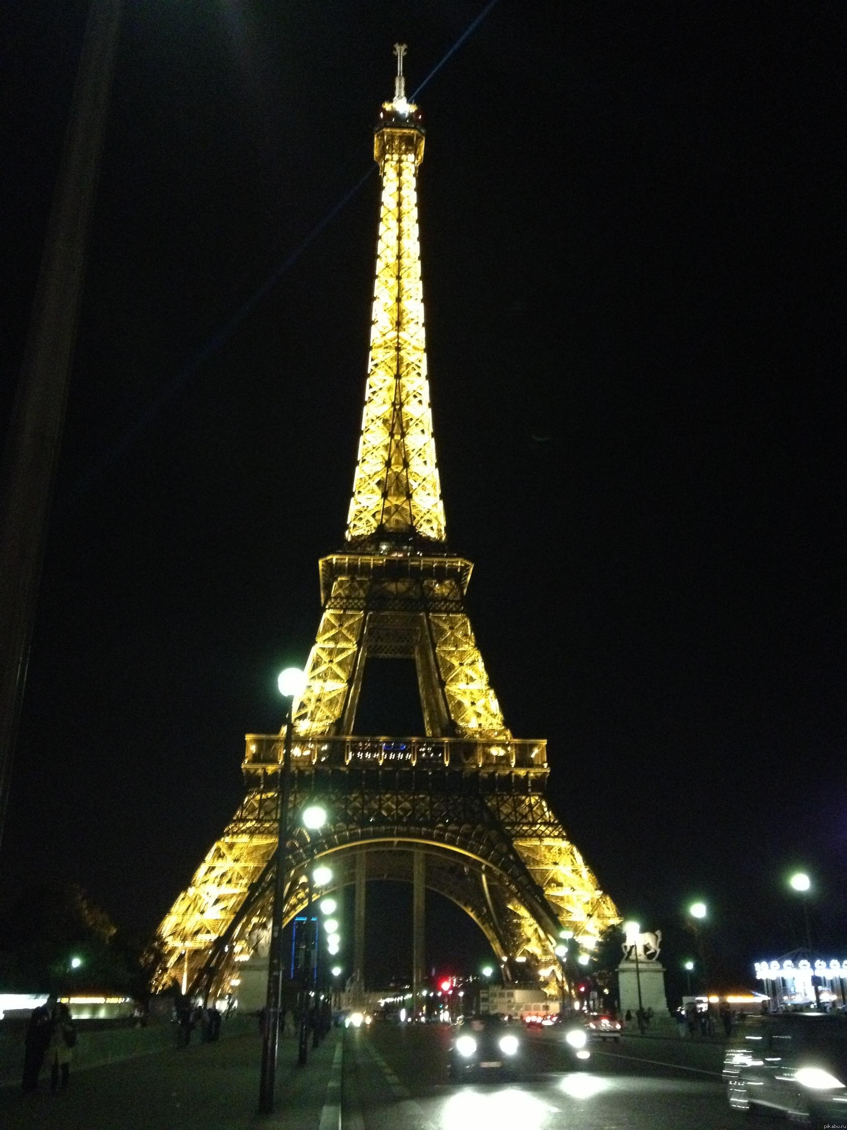 От парижа эйфелева башня